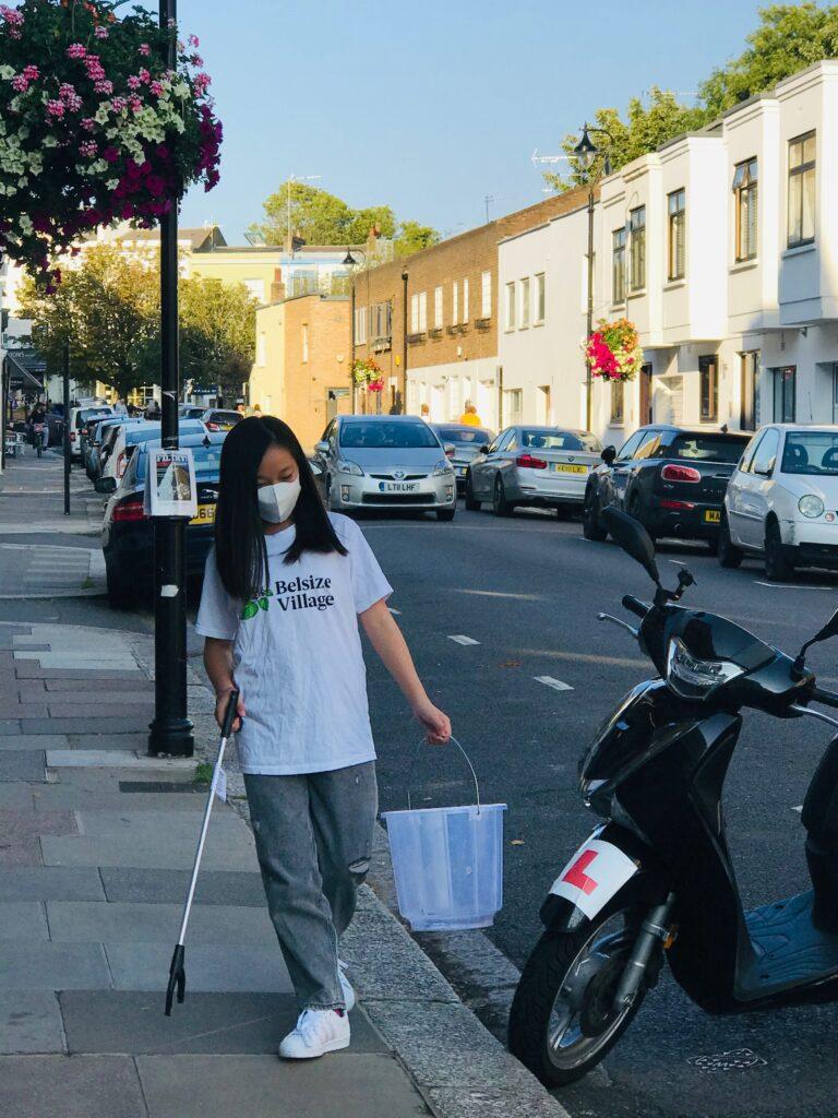 2020-09-14 (Belsize Village) Xin picking up litter
